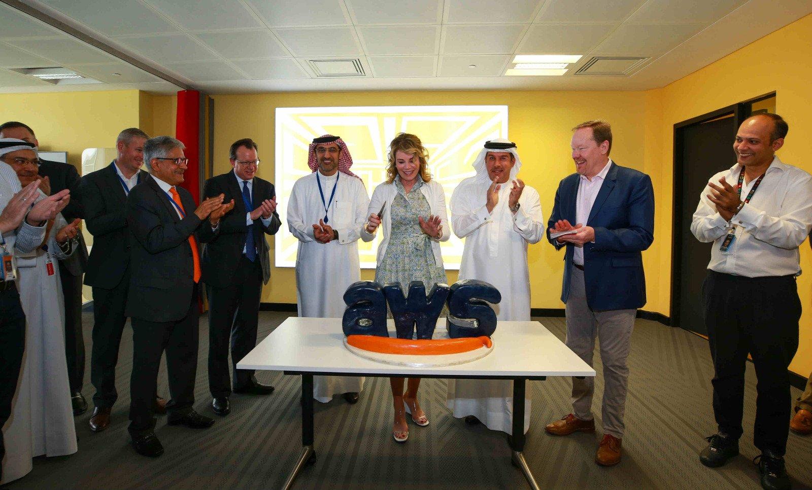 حل مشكلة اللاغ في الوطن العربي مخدمات امازون Amazon Web Services servers officially launched in bahrain low lag promised